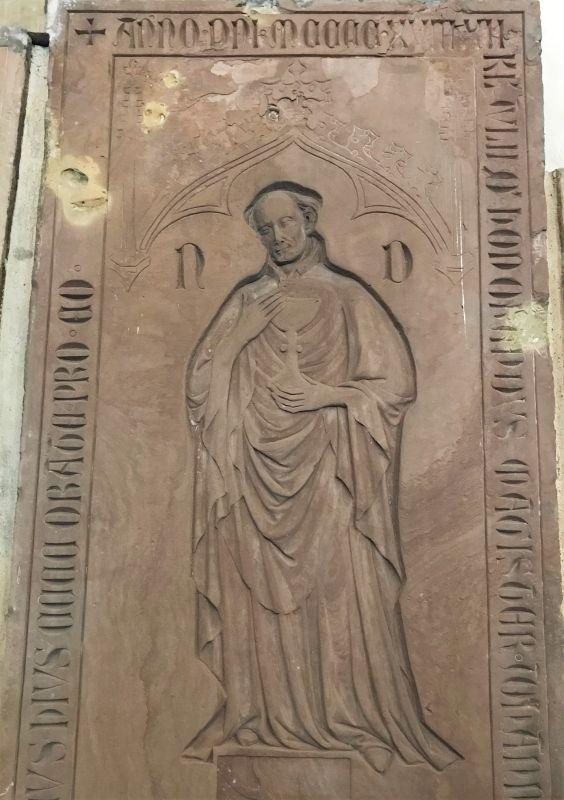 Grabplatte Kanoniker von Rinstete in der Thomaskirche in Strassbourg, Elsass
