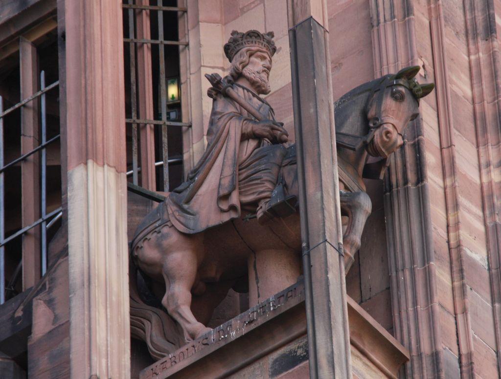 Reiterfigur Karl Martell an der Kathedrale von Strassburg