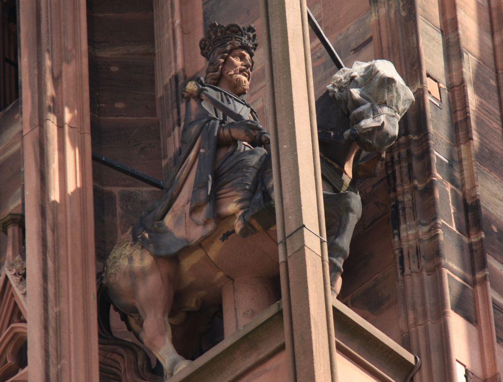 Reiterfigur Kaiser Lothar I an der Kathedrale von Strassburg