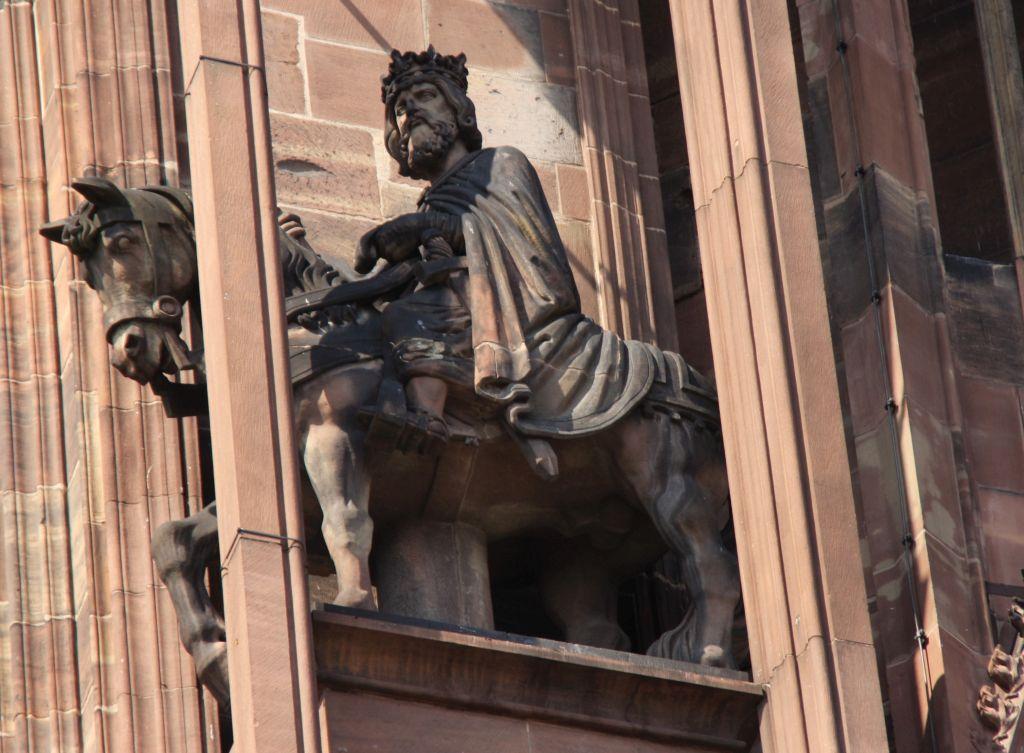 Reiterfigur Kaiser Otto II. an der Kathedrale von Strassburg