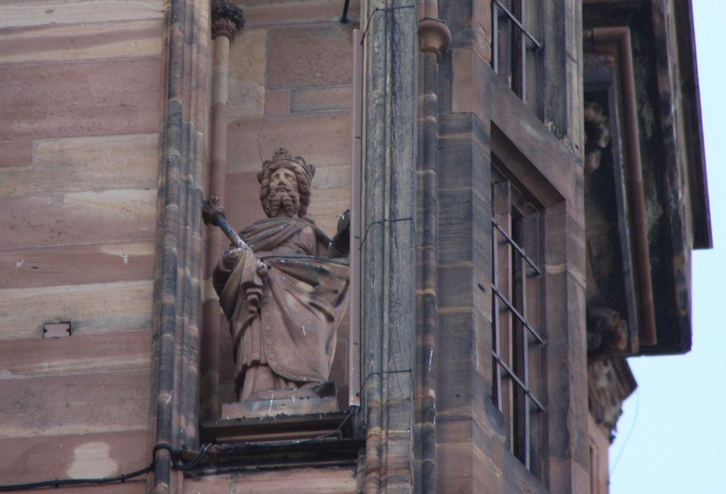 Standfigur Kaiser Heinrich IV. am Strassburger Muenster
