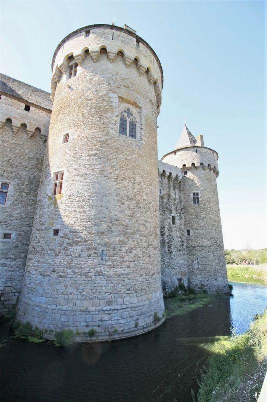 Tour Saint Nicolas und Wassergraben des Chateau de Suscinio