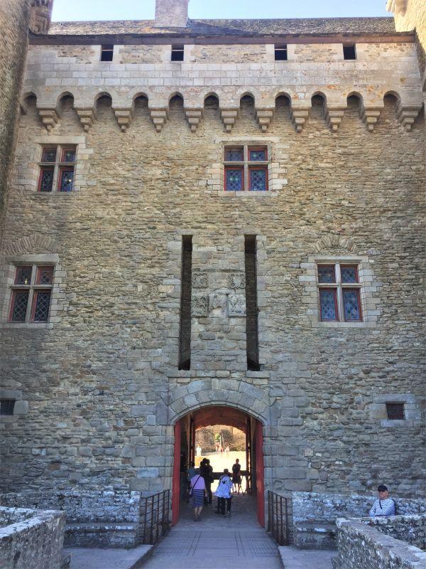 Torhaus des Jagdschlosses der bretonischen Herzoege auf der Halbinsel Rhuys