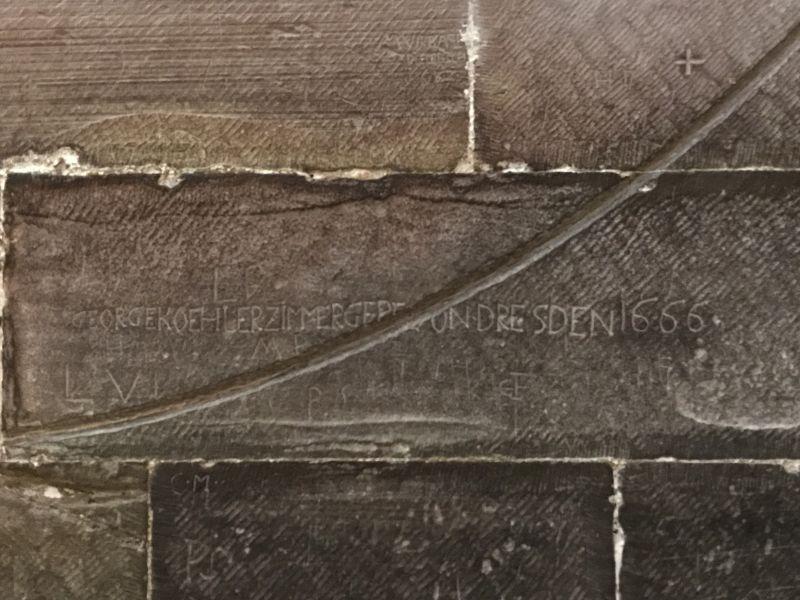 Inschrift an der Wand des Suedquerhauses im Strassburger Muenster