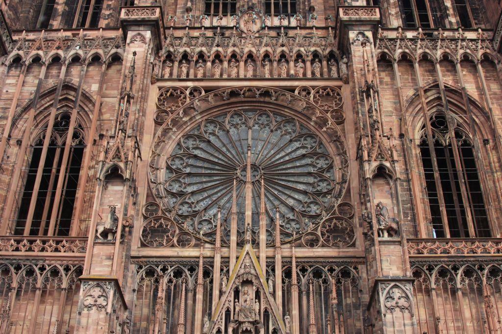 Westfassade mit Rose der Cathedrale de Strasbourg