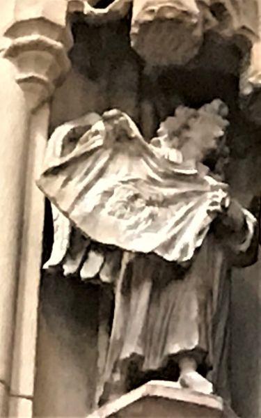 Engel mit Schweisstuch der heiligen Veronika; figuerliches Detail der Kathedrale in Strasbourg