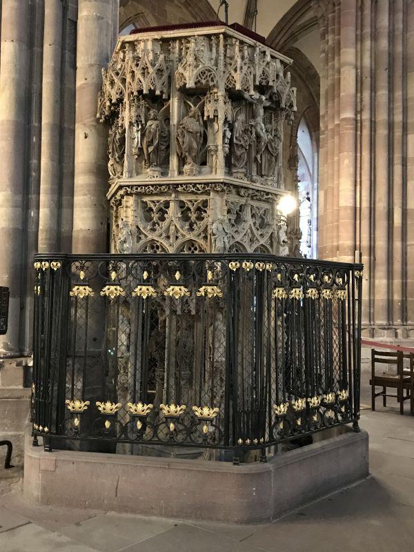 Kanzel des Predigers Geiler von Kaysersberg im Muenster in Strassburg