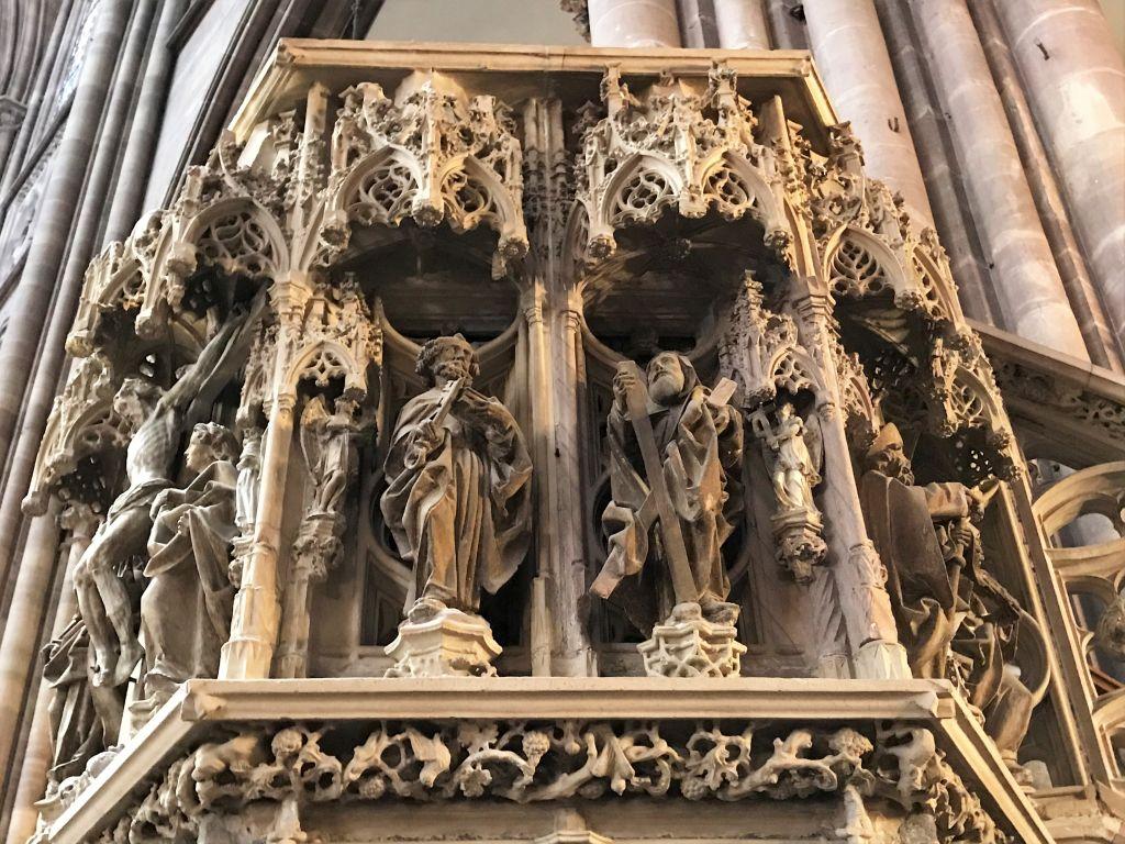 heiliger Petrus und heiliger Andreas am Kanzelkorb im Muenster zu Strassburg