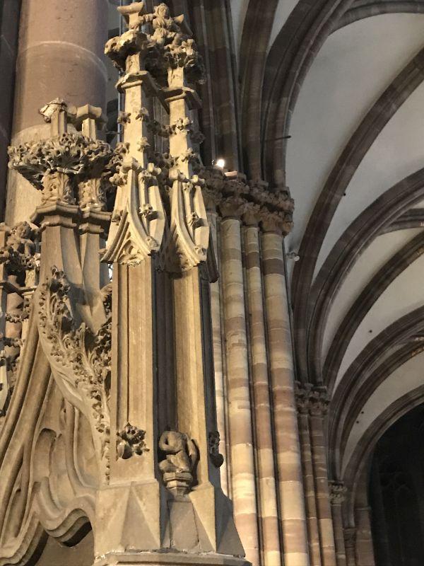 Detail der Kanzeltuere im Strassburger Muenster