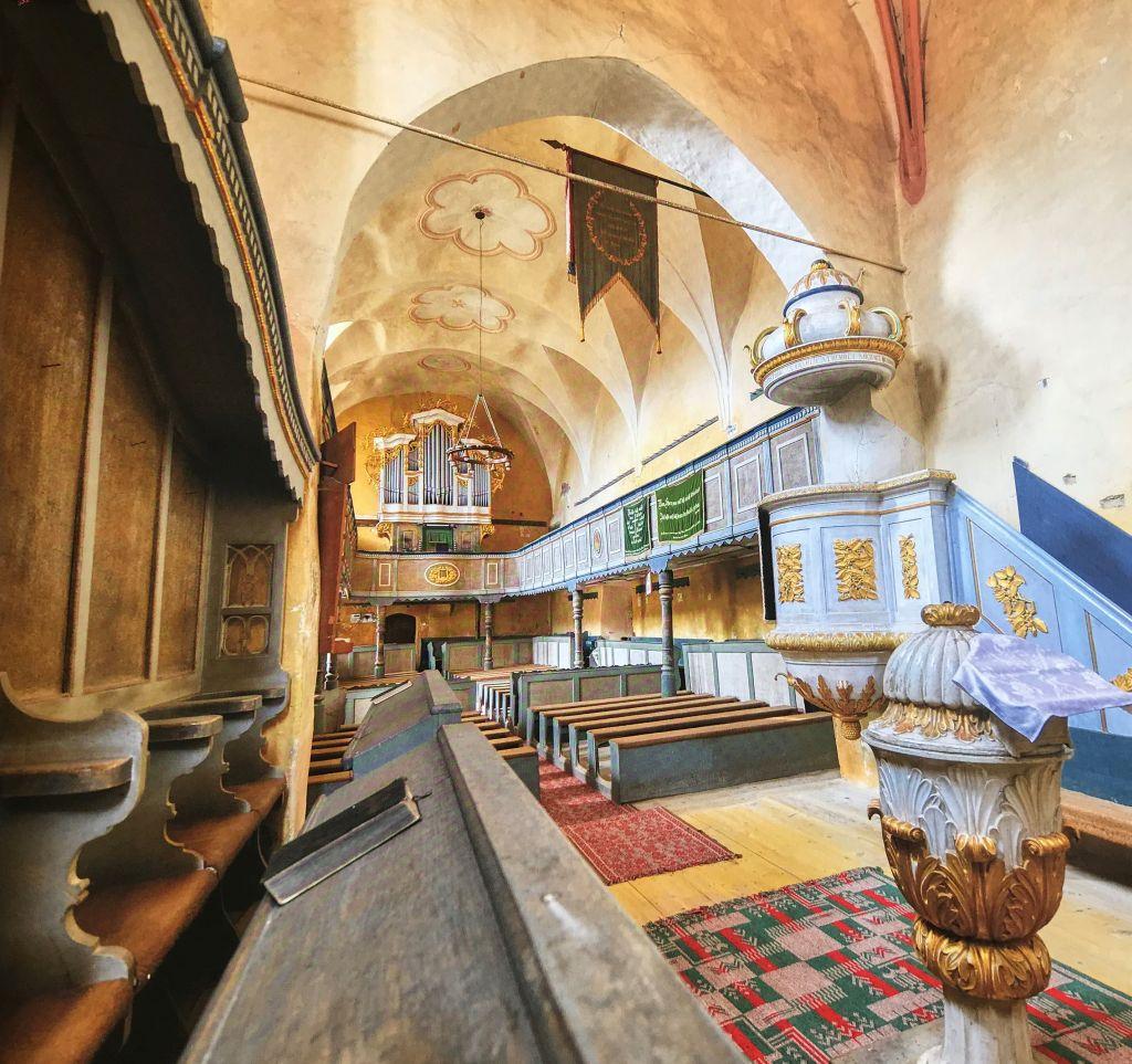 Innenraum der evangelischen Kirche von Roseln, Siebenbuergen