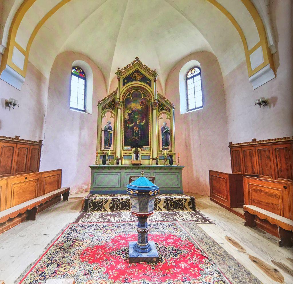 neugotischer Altar in der evangelischen Kirche von Marpod, Siebenbuergen