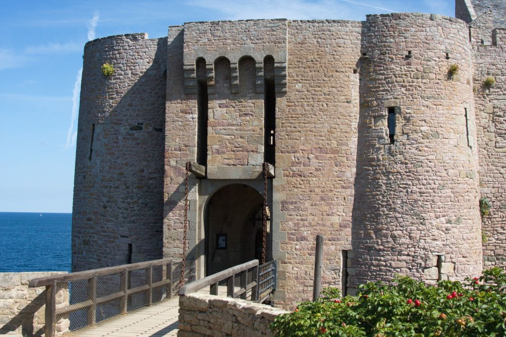 Torhaus mit Zugbruecke Fort La Latte