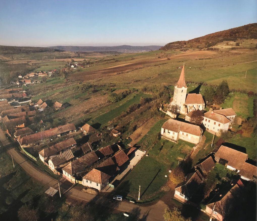 Luftaufnahme der Kirchenburg von Felldorf aus Band 9 Kirchenburgen im Schaessburger Land