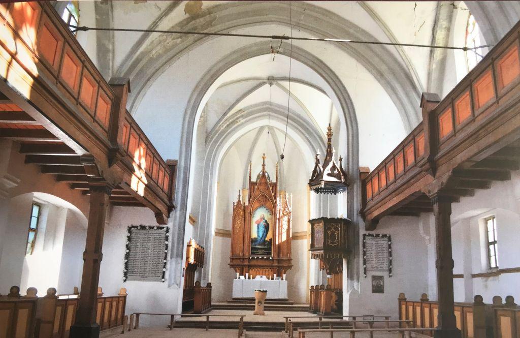 Innenansicht Kirche in Zendersch aus dem Bildband Kirchenburgen im Schaessburger Land