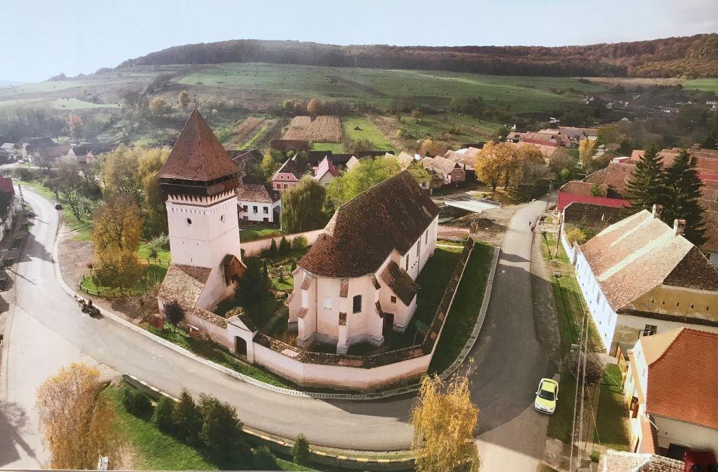 Flugaufnahme der Kirchenburg von Grossalisch aus Band 9 Kirchenburgen im Schaessburger Land