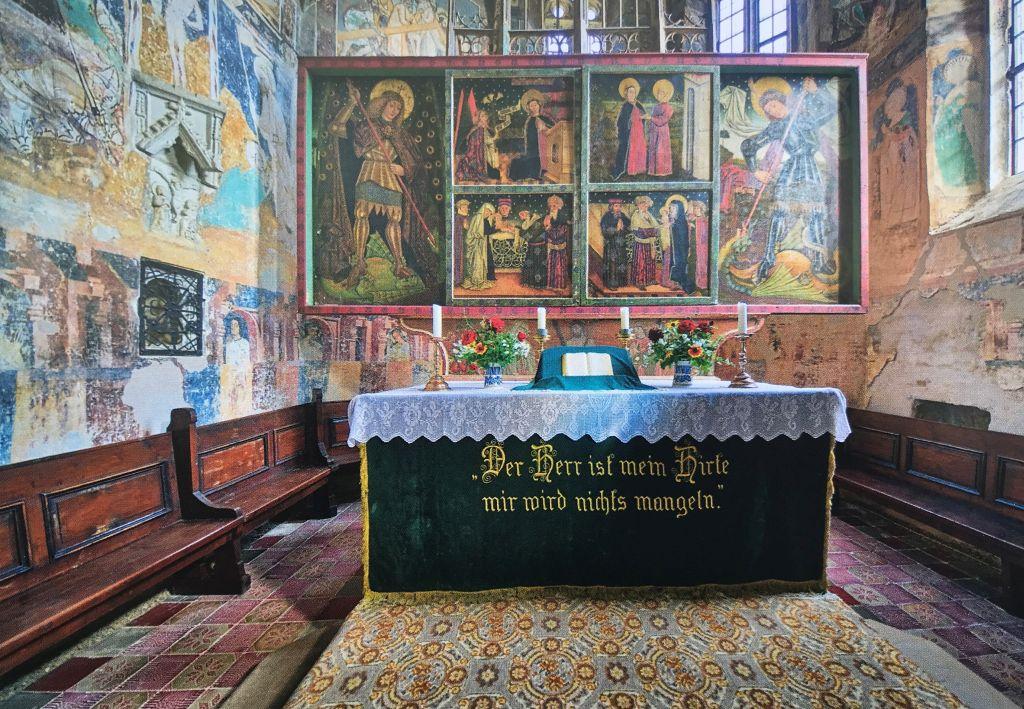 Fluegelaltar der Marienkirche in Malmkrog, Foto aus dem Bildband Kirchenburgen im Schaessburger Land